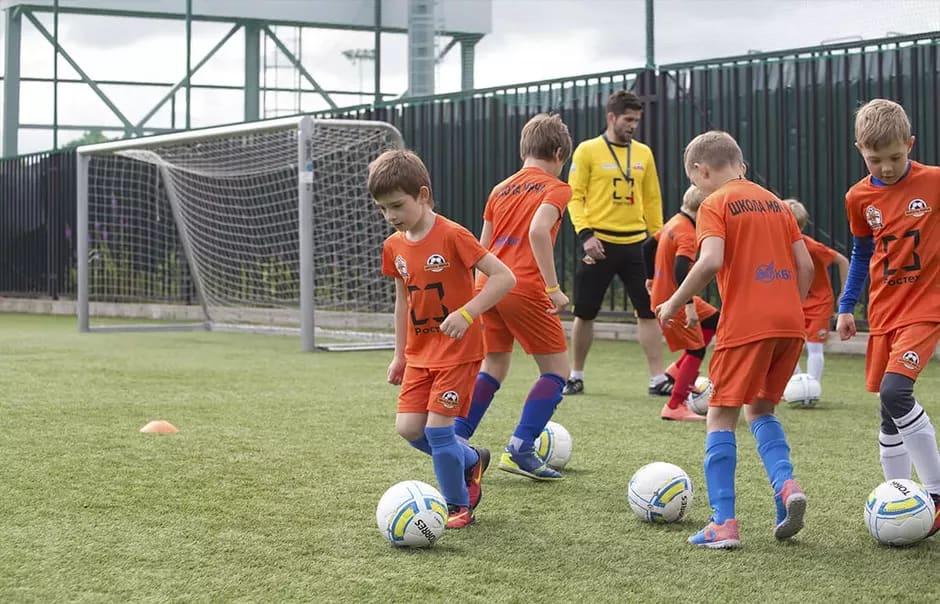 799f0450 Для тех, кто хочет научиться играть в футбол, а не только развлечься